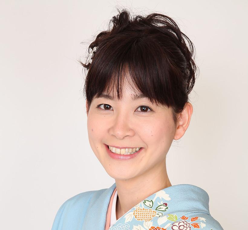製作者の紹介:プロ将棋女流棋士 中倉彰子(あきこ先生)